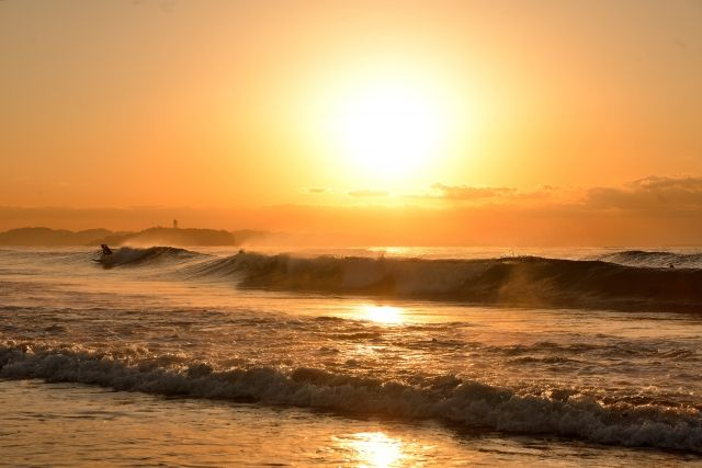 夕焼けの茅ヶ崎海岸