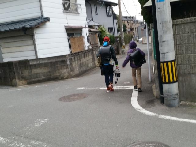 下校途中の小学生