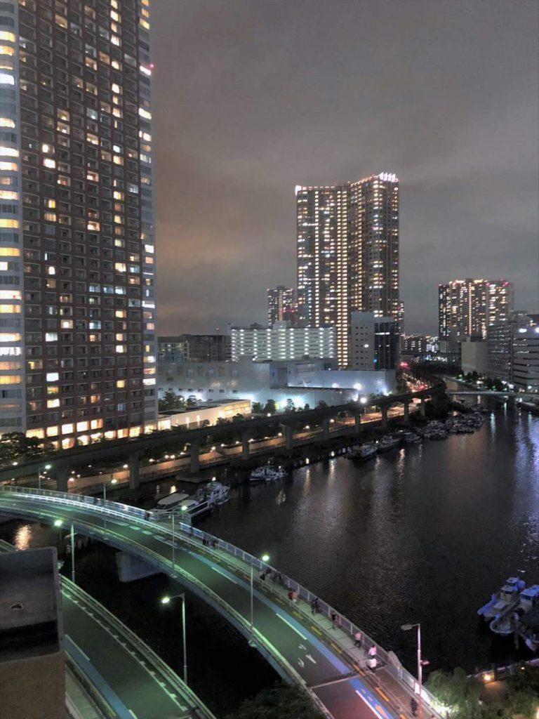 グローリオ田町のバルコニーからの眺望(夜)