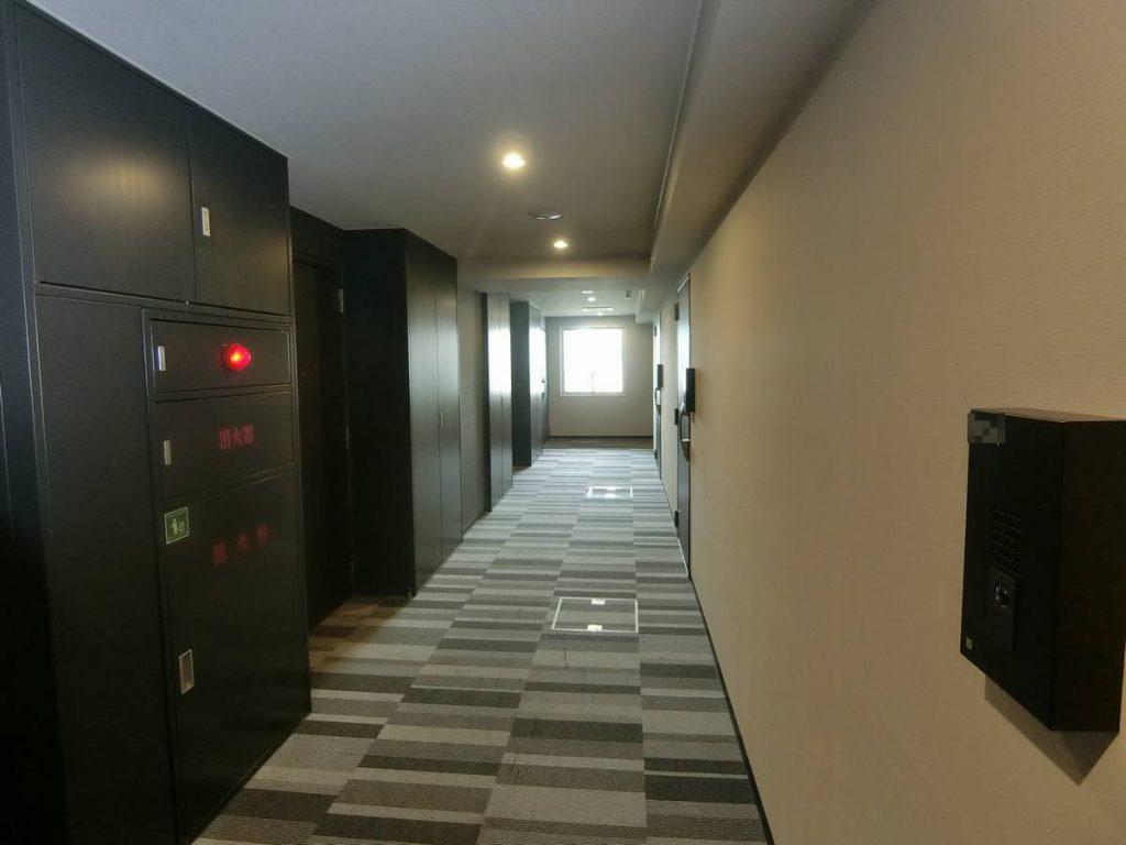 パークアクシス横濱関内SQUAREの内廊下
