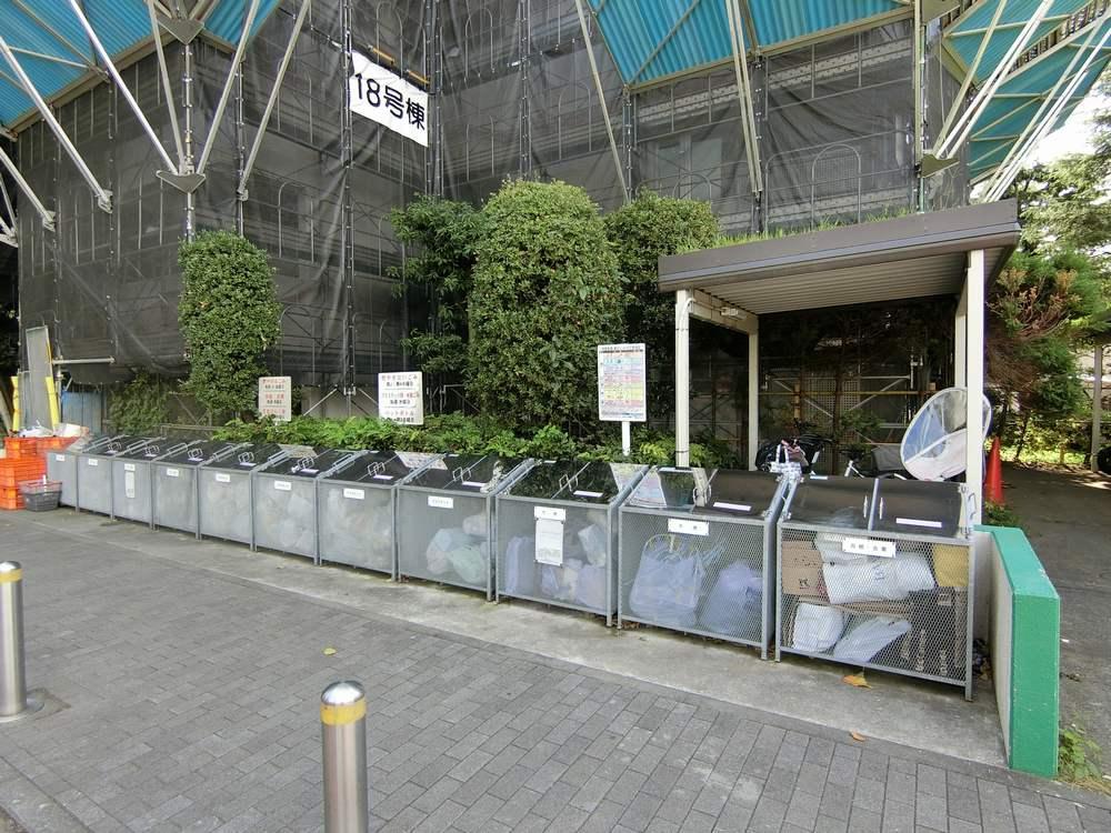 UR新川・島屋敷通りのゴミ置場