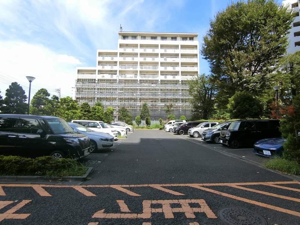UR新川・島屋敷通りの駐車場