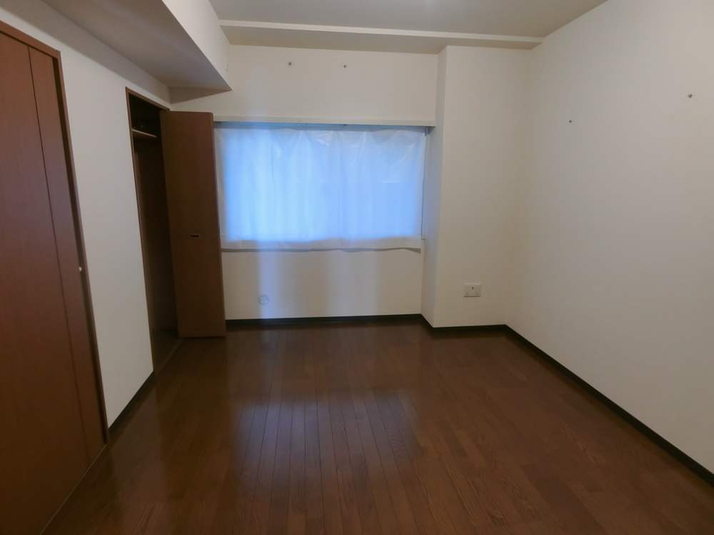 UR新川・島屋敷通りの室内