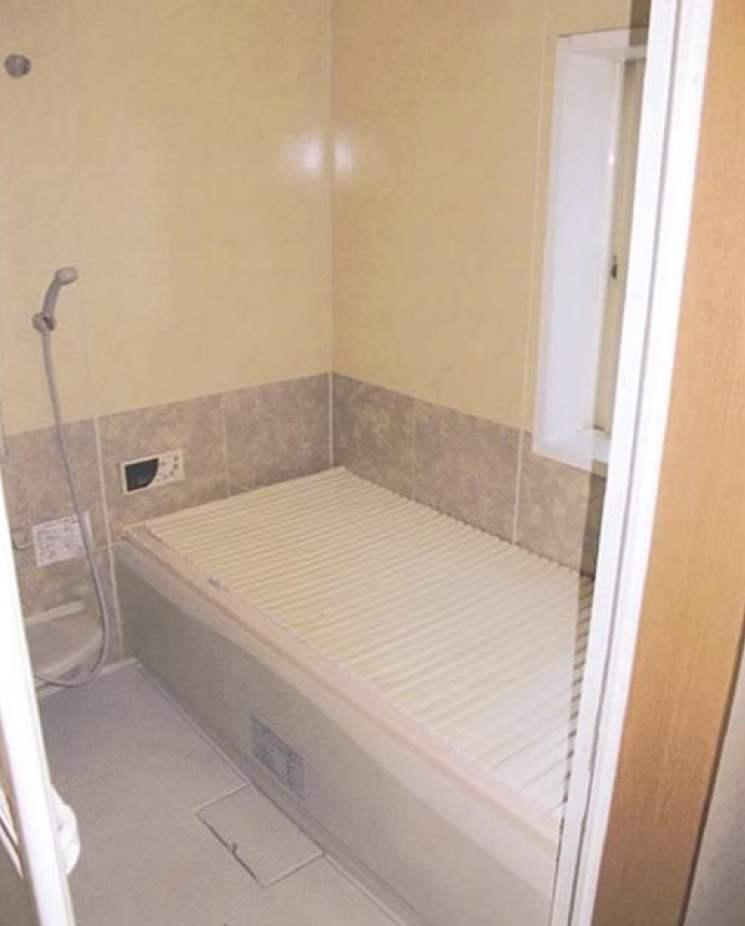 川崎区渡田山王町の戸建の浴室