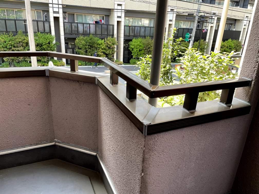 府中のマンションの外廊下