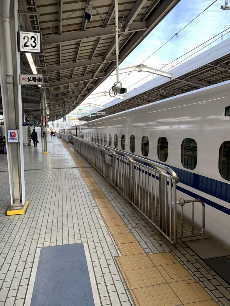新大阪駅ののぞみ