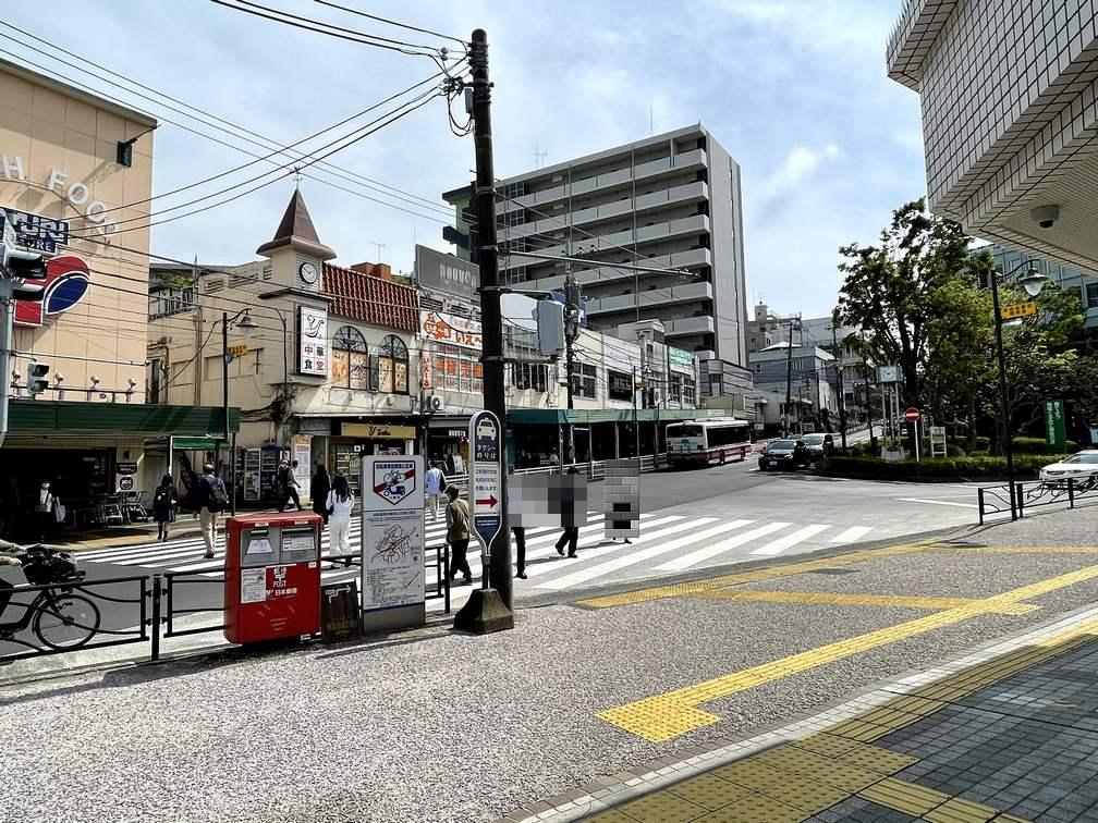 百合ヶ丘駅の駅前