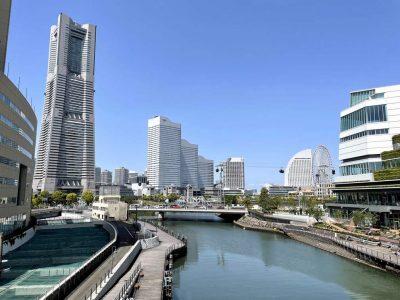 横浜市役所とロープウェイ