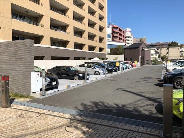 ブランズ・ジオ等々力の敷地内駐車場