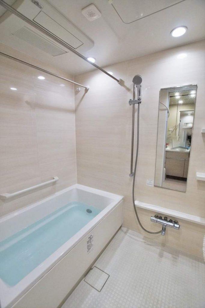 グローリオ田町の浴室(フルオートバス)