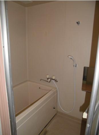 横浜ハイタウンの浴室